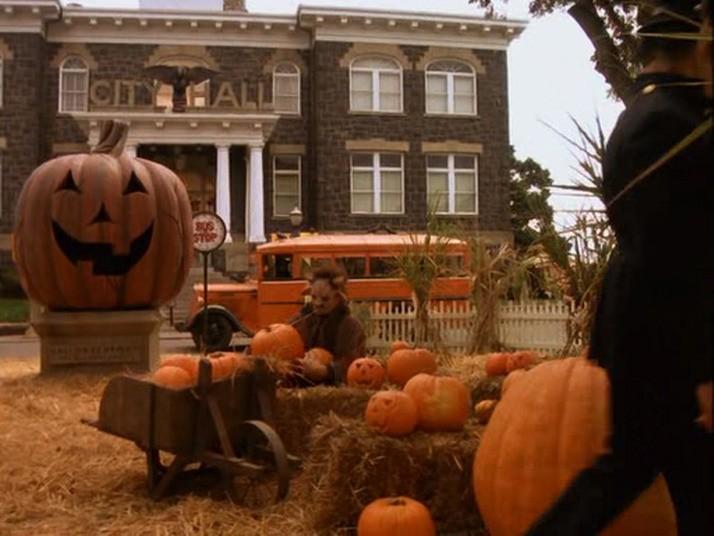 Lion King Pumpkin Halloweentown (place) ...