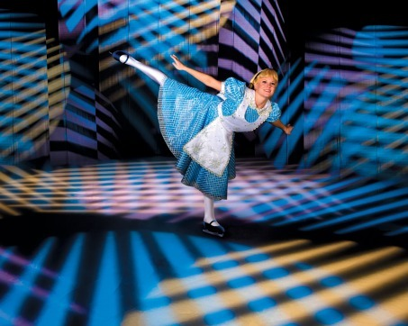 File:Large Disney-On-Ice-alice.jpg