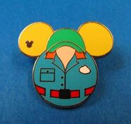 2015 MuppetVision cast costume pin