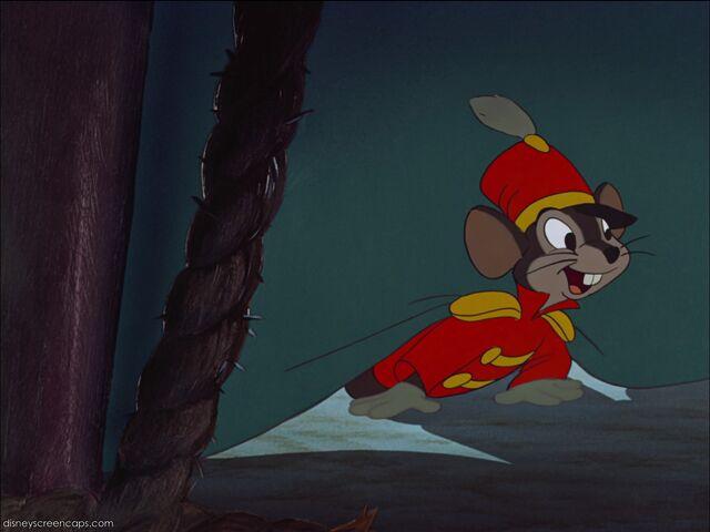File:Dumbo-disneyscreencaps com-2816.jpg