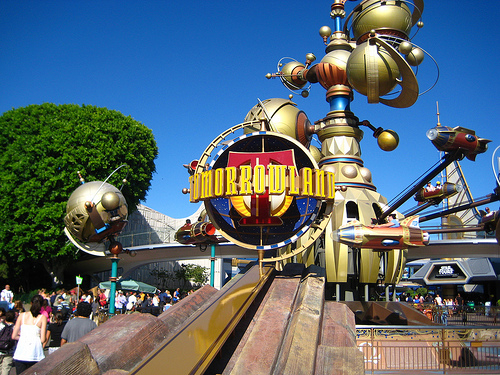 File:Tomorrowland Disneyland.jpg