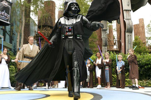 File:Star wars gallery vader younglings.jpg