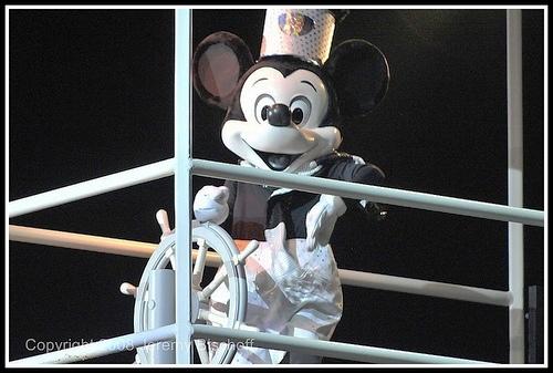 File:Steamboat Mickey from Fantasmic.jpg