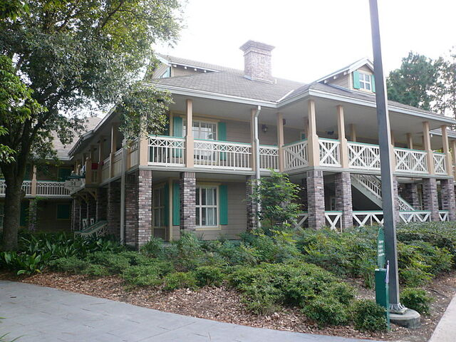 File:Port-orleans-resort.JPG