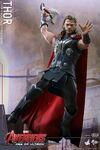 Thor AOU Hot Toys 06