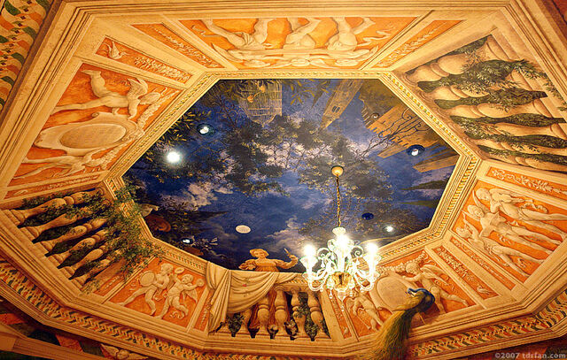 File:Juliet's Collections & Treasures Ceiling.jpg