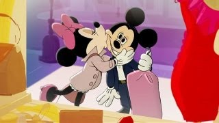 File:Minnie kissing Mickey electric holiday.jpg