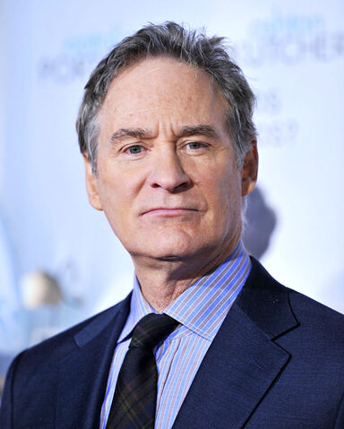 File:Kevin Kline, No Strings Attached Premiere.jpg