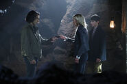 Once Upon a Time - 6x05 - Street Rats - Photography - Aladdin, Emma and Henry