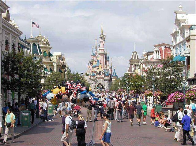 File:Main Street USA of Disneyland Paris.jpg
