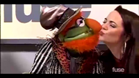 FuseNews-KatieVanBuren&DrTeeth-Kiss-(2014-03-20)
