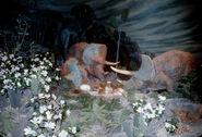 NF-112U Hatching Dinosaur Eggs Symbolize Life Ford Ride