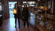 Once Upon a Time - 2x16 - The Miller's Daughter - Cora and Regina