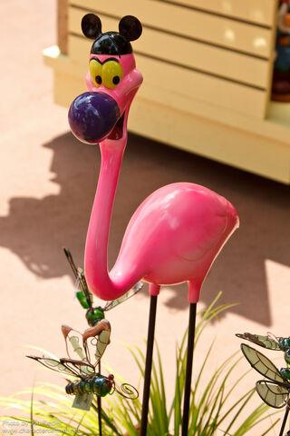 File:Yo Yo Flamingo WDW.jpg