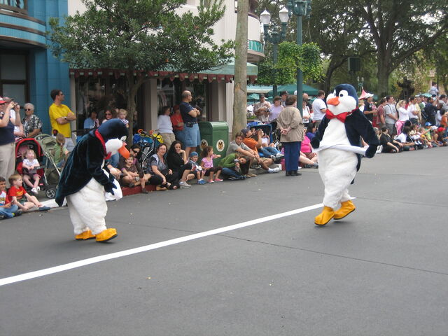 File:Disney 2008 0218.JPG