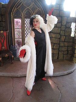 Cruella De Vil HKDL
