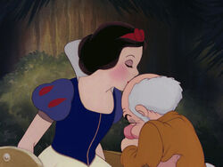 Snow-white-disneyscreencaps.com-9533