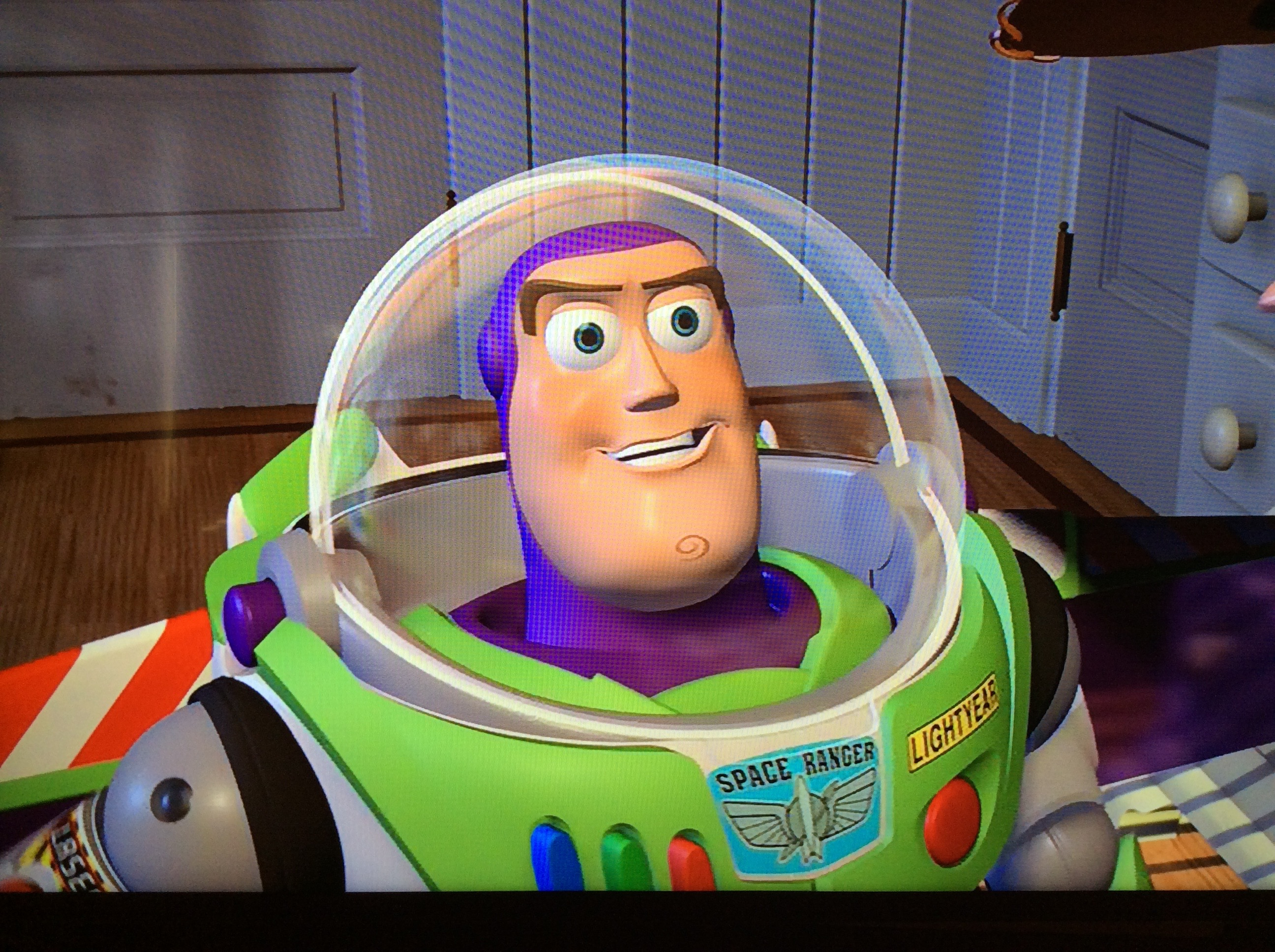 http://vignette3.wikia.nocookie.net/disney/images/e/e3/Buzz_Lightyear_out_of_the_box.jpg/revision/latest?cb=20130101220439