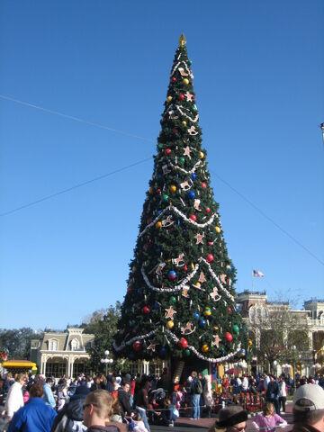 File:Disney 2008 0493.JPG