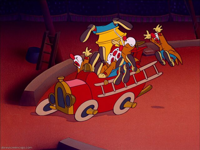 File:Dumbo-disneyscreencaps com-6885.jpg
