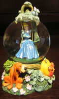 Disney Princess Cinderella Jaq Gus Snowglobe Water Globe Glass Dome Figure