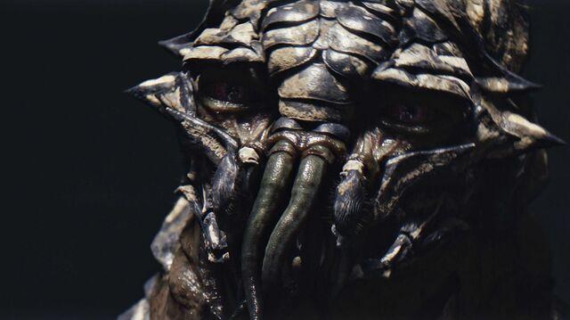 File:District-9-alien.jpg