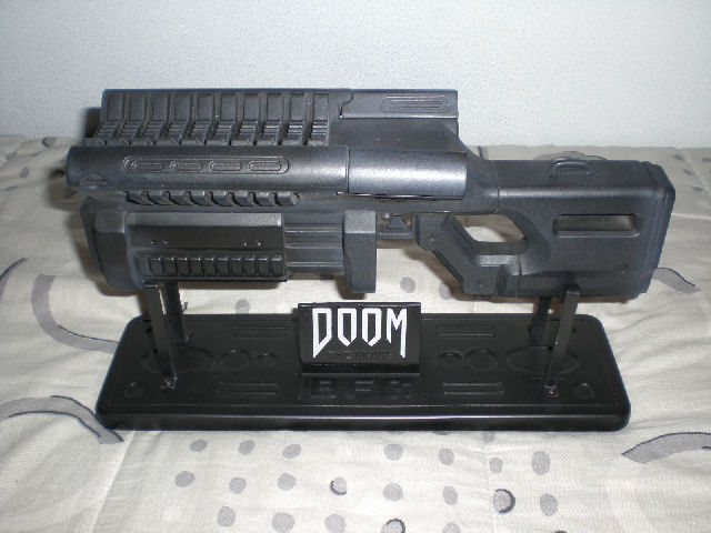 File:Doom movie BFG replica.jpg