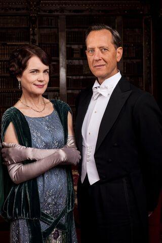 File:Downton-abbey-season-5-cora.jpg