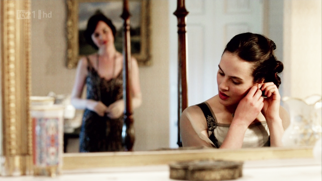 File:Downtonabbey2x04-2.png