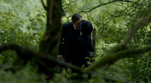 File:Anna and Bates - A Walk and a Kiss in the Woods.png