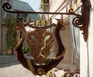 Le-Masque-du-Lion-cafe-sign
