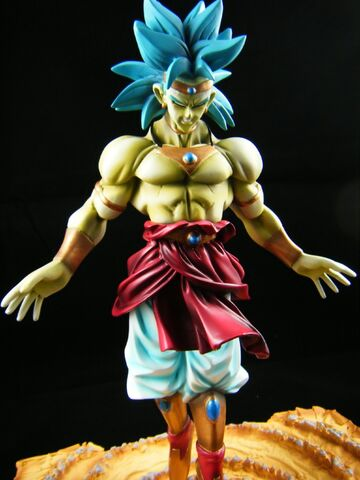 File:Broly resin modelkit e.jpg