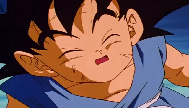 File:Goku tired form fighting Mouma 1.png