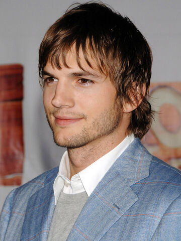 File:Ashton-kutcher-2.jpg