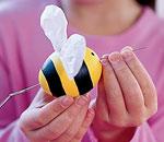 File:Bee-easter-egg-craft-step1-photo-150-FF0302EGGA21.jpg