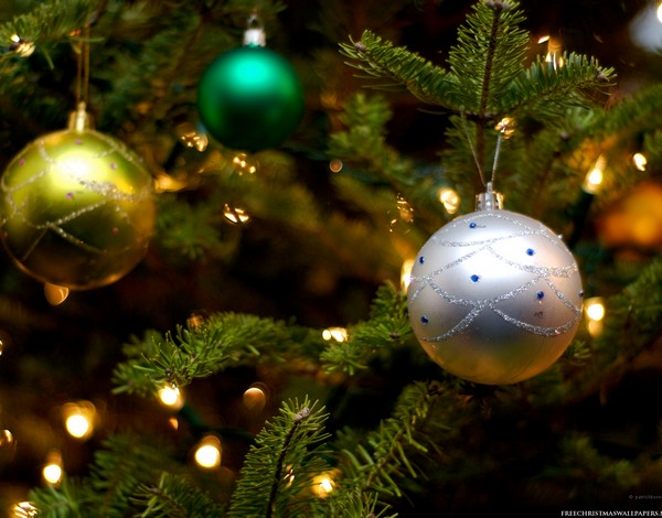 File:600x470-Christmas-Tree-Ornaments-576093.jpg