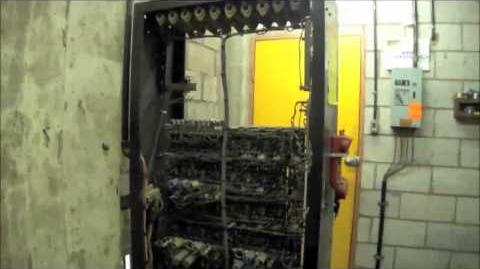 Machine Room Ride on 1972 Otis Geared Traction Elevator @ 157-161 George St, Liverpool