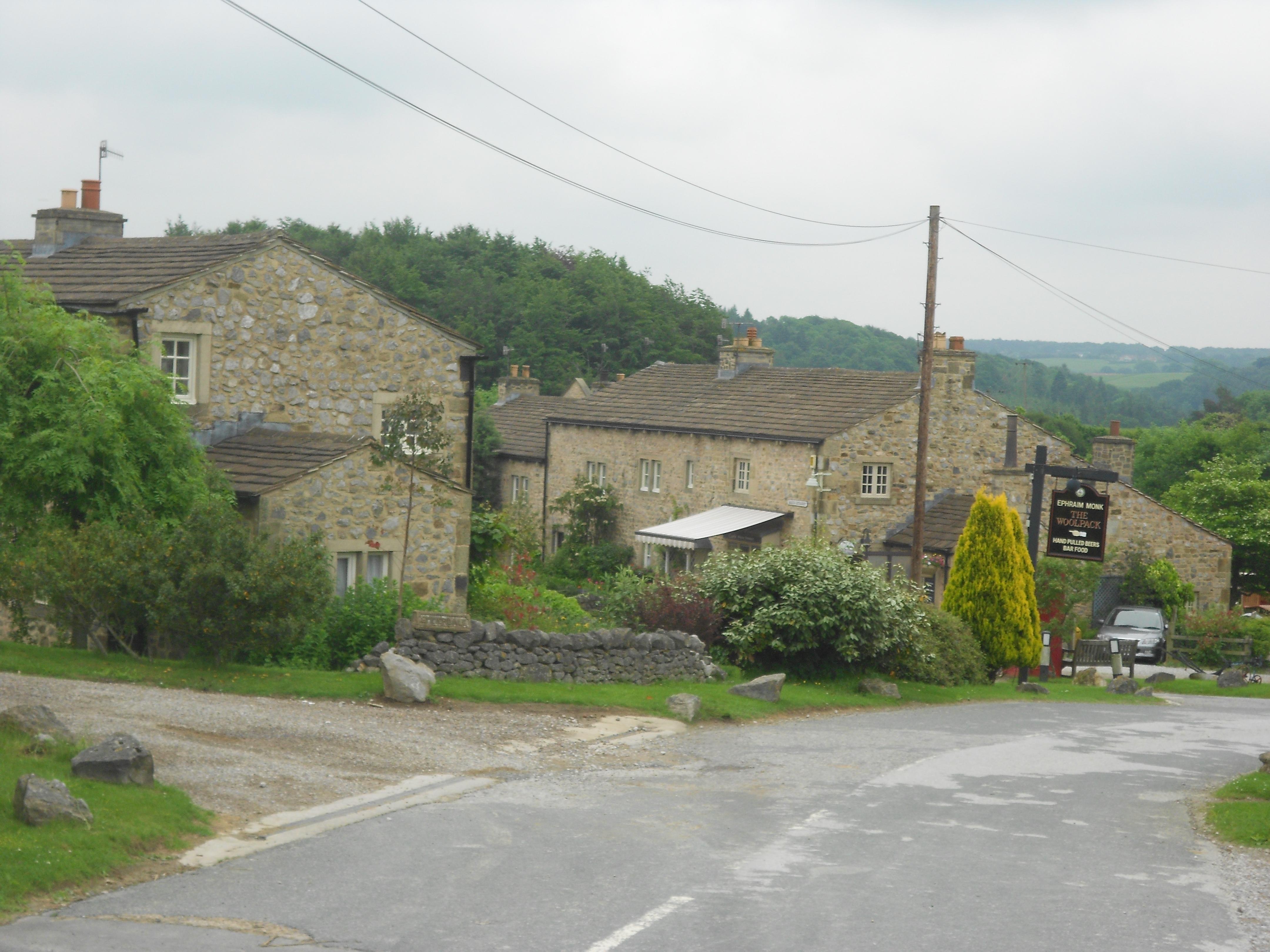 Image gallery emmerdale houses for Wallpaper home farm emmerdale