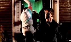 Grand Theft Auto 2 The Movie - Claude saliendo del club