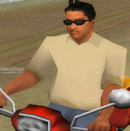 Carl conduciendo su moto.PNG