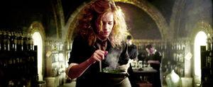 Emma-watson-half-blood-prince-harry-potter-hermione-hermione-granger-potion-Favim com-45655.jpg