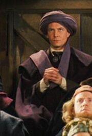 P1 Quirrell hechizando la escoba de Harry Potter.jpg