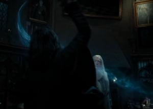 Snape conjura un patronus.png