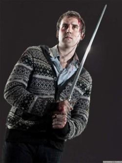 Neville con la espada