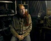 Arthur en el cobertizo.jpg