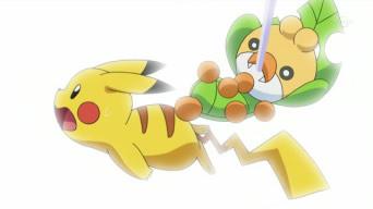 Archivo:EP678 Sewaddle golpeando a Pikachu.jpg
