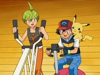 Archivo:EP568 Alecrán y Ash haciendo ejercicio.png