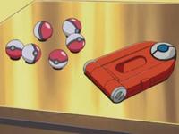Archivo:EP277 Pokédex y Poké Balls.png