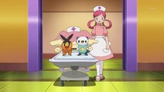 Archivo:EP675 Enfermera Joy con los Pokémon de Ash.png