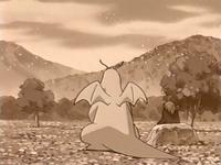 Archivo:EP255 Dragonite con su antiguo dueño.png